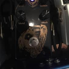 Walrus Audio Deep six compressor limited edition