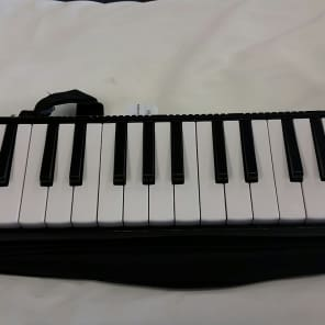 Stagg 32-Key Melodica