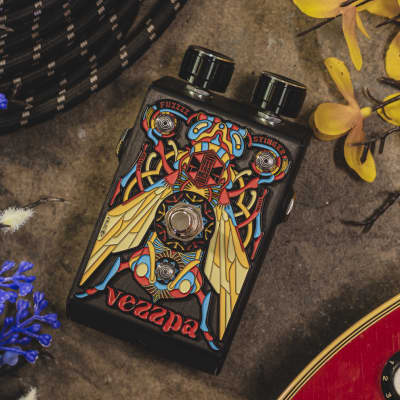 Beetronics FX Vezzpa Fuzz (Babee series), OpAmp with Octave and Momentary Switching-In Stock, Shipping Now!