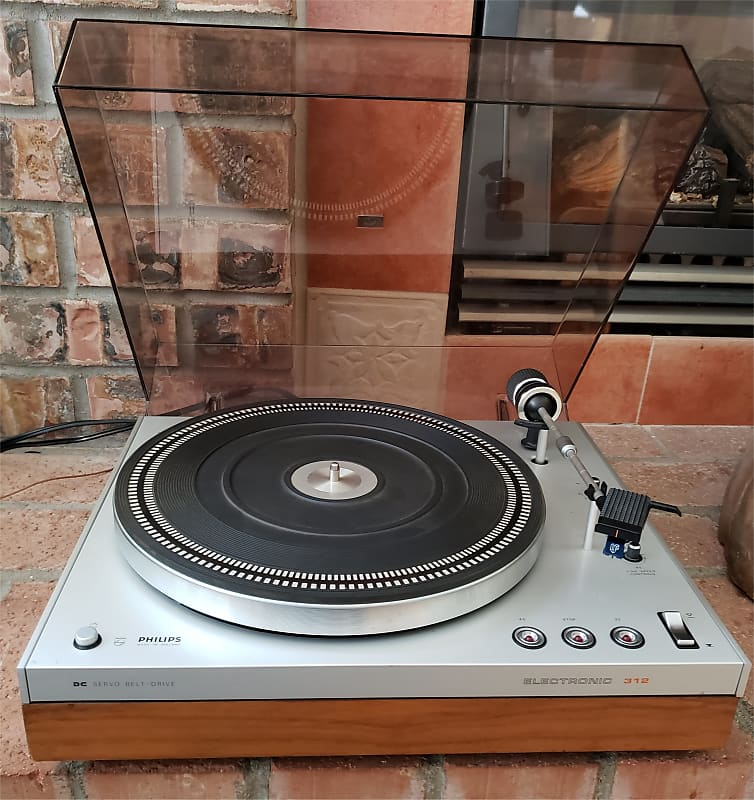 Philips GA 312 Turntable Just Serviced with NEW Carbon Fidelity Cartridge