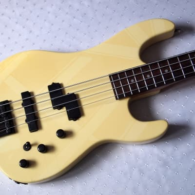 Charvel  Model 2B Bass 1988 Pearl White for sale