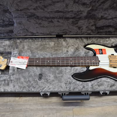 Fender American Pro Jazz Bass® V Rosewood Fingerboard, 3-Color Sunburst
