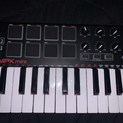 Akai MPK Mini MKII Compact Keyboard/Pad MIDI Controller