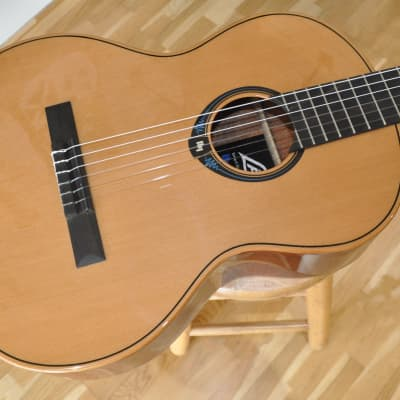 LAG Classical Hyvibe CHV15E / Nylon Smart Guitar / Lâg HyVibe 15 Series by Maurice Dupont for sale