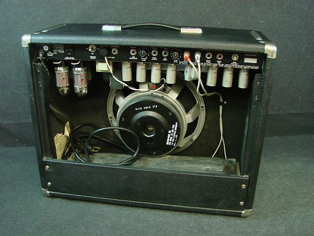 1983 fender concert 112 60w tube amplifier 1x12 guitar combo reverb. Black Bedroom Furniture Sets. Home Design Ideas