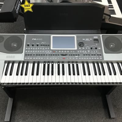 Korg Pa900 61-Key Arranger Workstation
