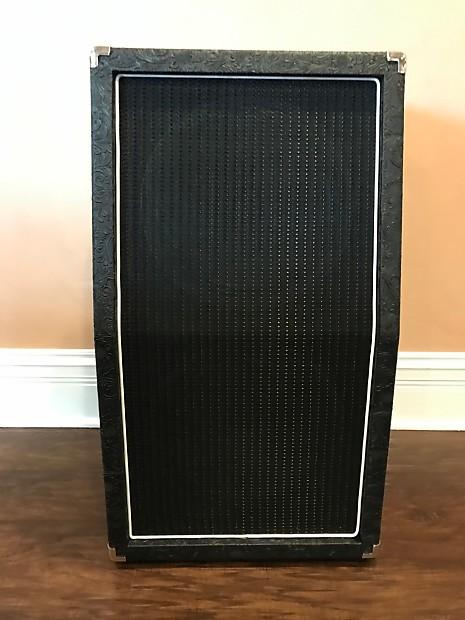 Carvin VX212S Vertical 2x12 Cabinet w V30 Speakers Black | Reverb