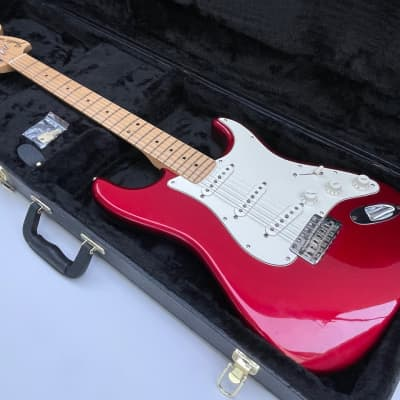 Fender American Special Stratocaster Candy Apple Red Maple 2011 with Hard Case