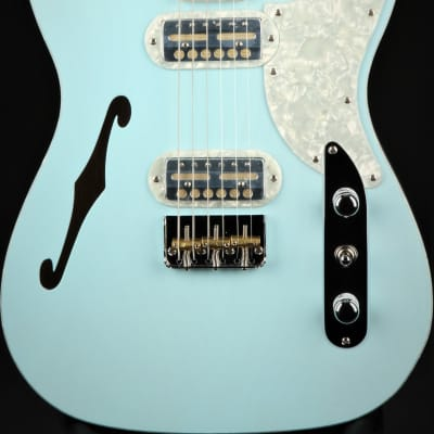 Fender Limited Edition Parallel Universe Vol II Tele® Magico - Transparent Daphne Blue