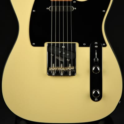 Suhr Eddie's Guitars Exclusive Roasted Classic T Paulownia - Vintage Yellow