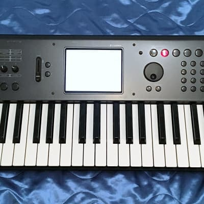 Korg M50 61-Key Music Workstation Keyboard