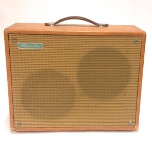 """Magnatone Melodier Deluxe Model 109 15-Watt 2x8"""" Guitar Combo"""
