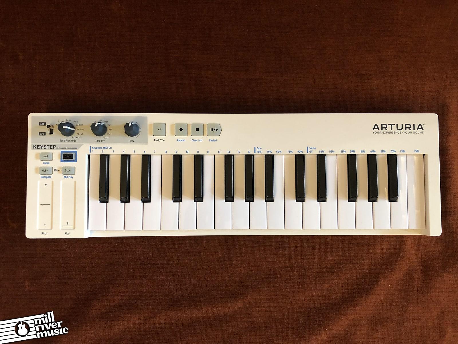 Arturia KeyStep 32-Key MIDI Controller Keyboard / Sequencer w/ Box