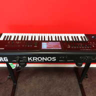 Korg  Kronos v2 61 (young used)