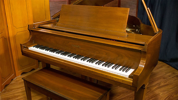 Baldwin Baby Grand Piano Model M 1978 Walnut Satin
