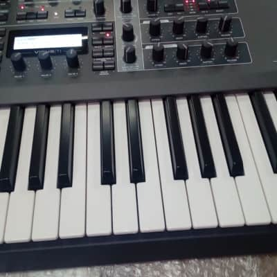 Access Virus ti2 synth 61 keys / Synthonia libraries
