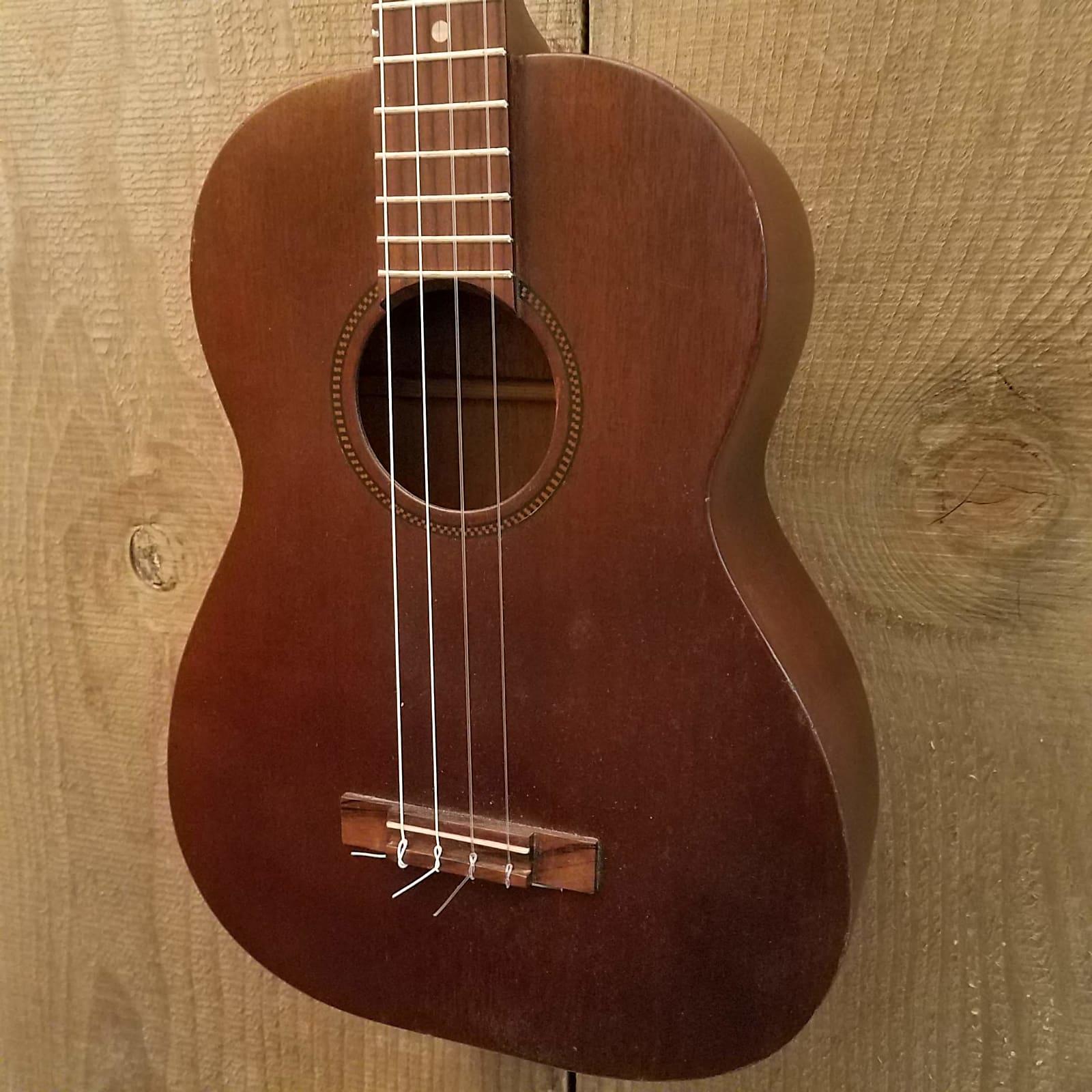 Baritone Ukulele Solid Mahogany Vintage 1950's