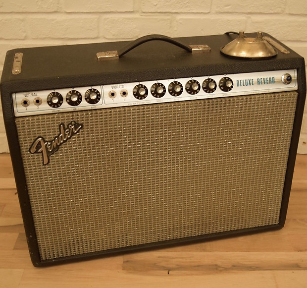 Fender deluxe reverb silverface dating