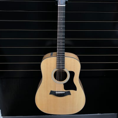 Taylor 150e 12-String Sitka Spruce / Walnut Dreadnought with ES2 Electronics