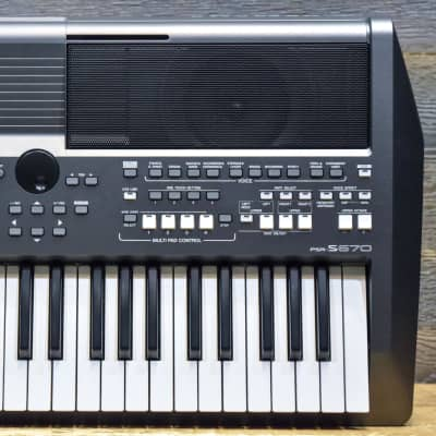 Yamaha PSR-S670 61-Key Arranger Workstation Digital Keyboard Synthesizer