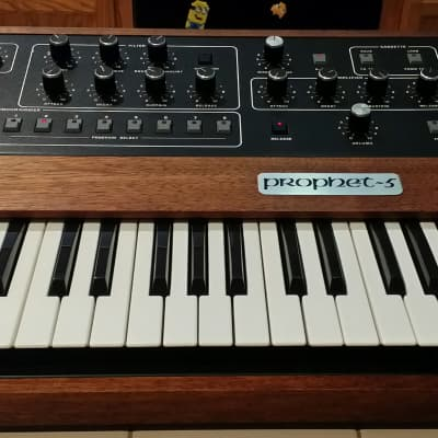 Sequential Circuits Prophet 5 Rev 3 Analog Synthesizer