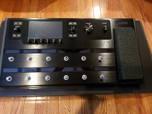 Line 6 Helix Multi-effects w/Gig Bag, Custom Presets and IR's