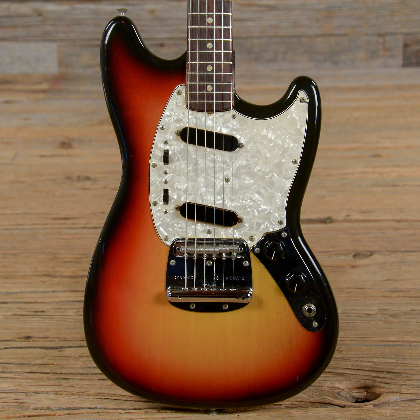 Fender mustang sunburst 1972 s145
