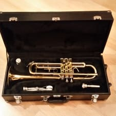Student Trumpet with case - Eastman ETR 400R