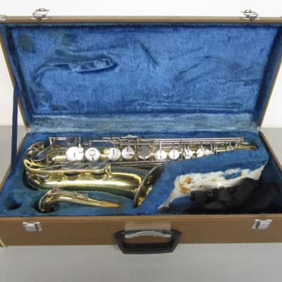 Yamaha YAS-21 Alto Saxophone with Case and Mouthpieces