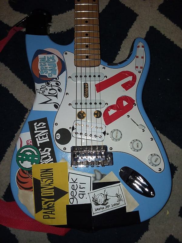 Description Policies This Is A Replica Of Billie Joe Armstrong S Stratocaster