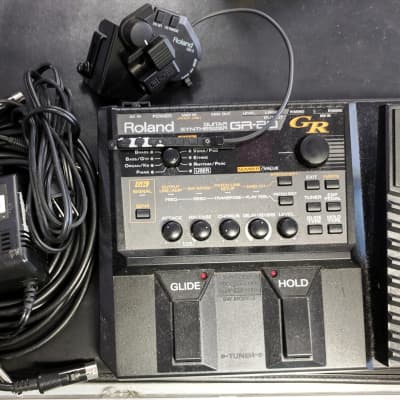 Roland GR-20 Guitar Synthesizer w/GK-3 Divided Pickup, EZ To Use, Great Tracking, Cables, Complete