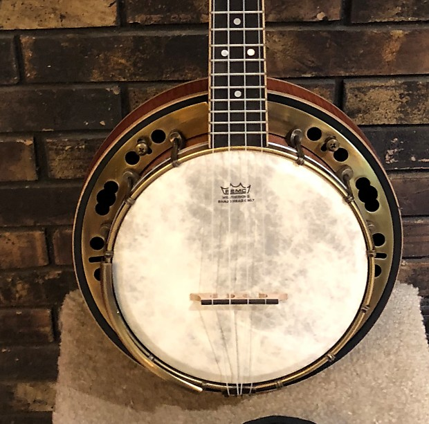 Lanikai Lbu C Banjolele Loud And Beautiful Reverb
