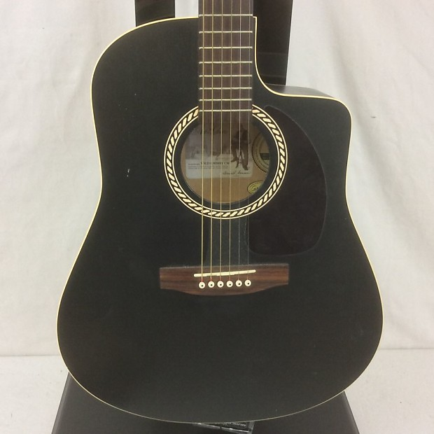 Art & Lutherie Wild Cherry Cw Acoustic Guitar Black