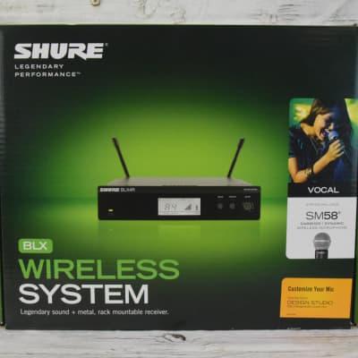Shure BLX24R/SM58 Wireless Handheld Microphone System