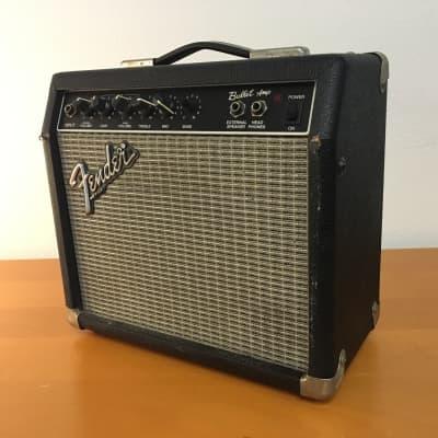 """Fender Bullet 2-Channel 15-Watt 1x8"""" Guitar Practice Amp 1994 - 1998"""