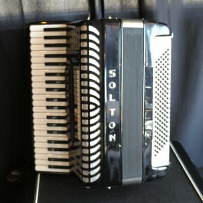 Solton Artist 2000 Accordion w/ Ketron X4 MIDI Sound Module