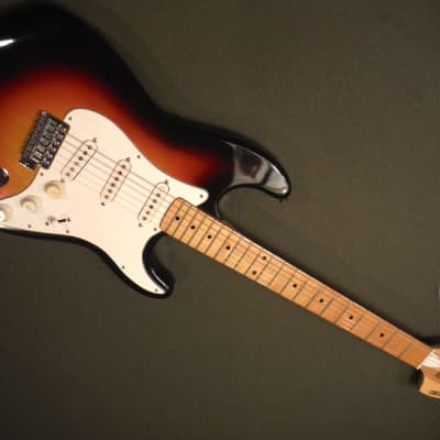 (Ibanez, Greco) Fujigen 2375 Crestwood Stratocaster copy Japan Vintage 1974-75 for sale