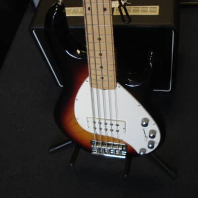 Musicman  Stingray 5 bass 5 string USA with ohs case for sale