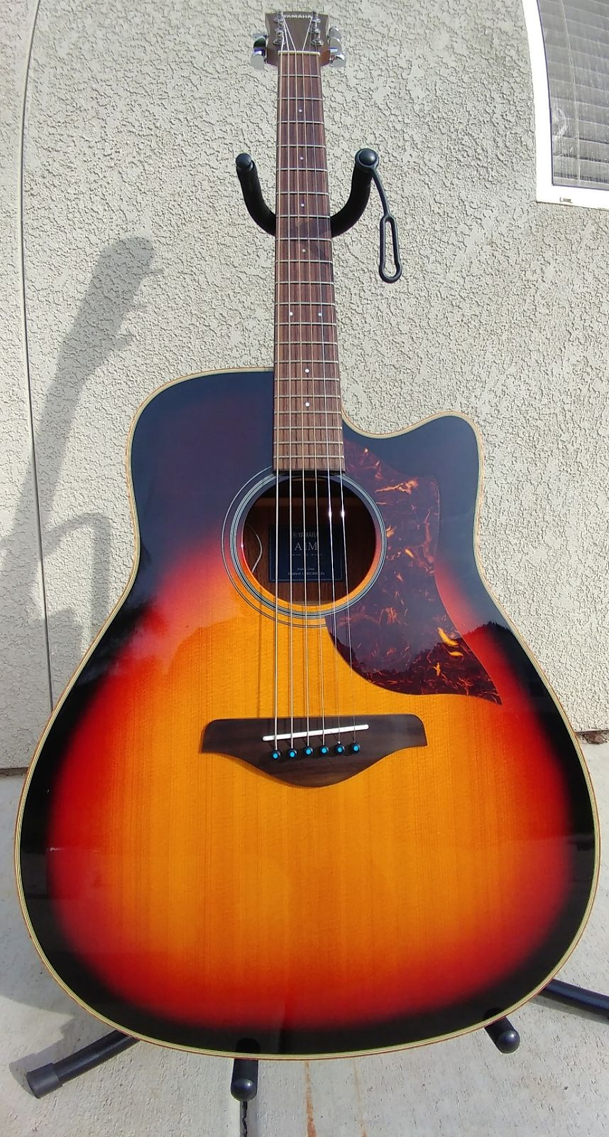 yamaha a1m dreadnought acoustic electric with cutaway reverb. Black Bedroom Furniture Sets. Home Design Ideas