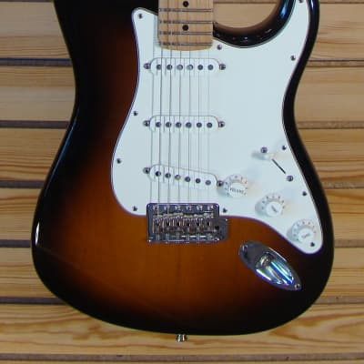 Fender American Special Stratocaster w/ Maple Neck 2-Color Sunburst for sale