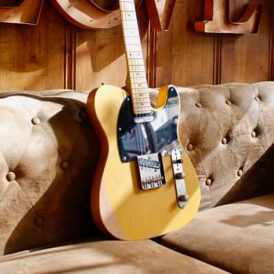 Vintage Guitars V52 MRBS Butterscotch Blonde Relic