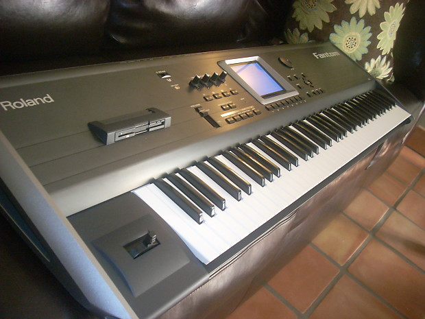 roland roland fantom fa76 fa 76 key synthesizer pedal reverb. Black Bedroom Furniture Sets. Home Design Ideas