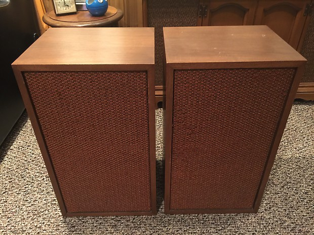 Fisher Model 2750 The Fisher Speakers 1969 Walnut cabinets mid century  stereo speakers