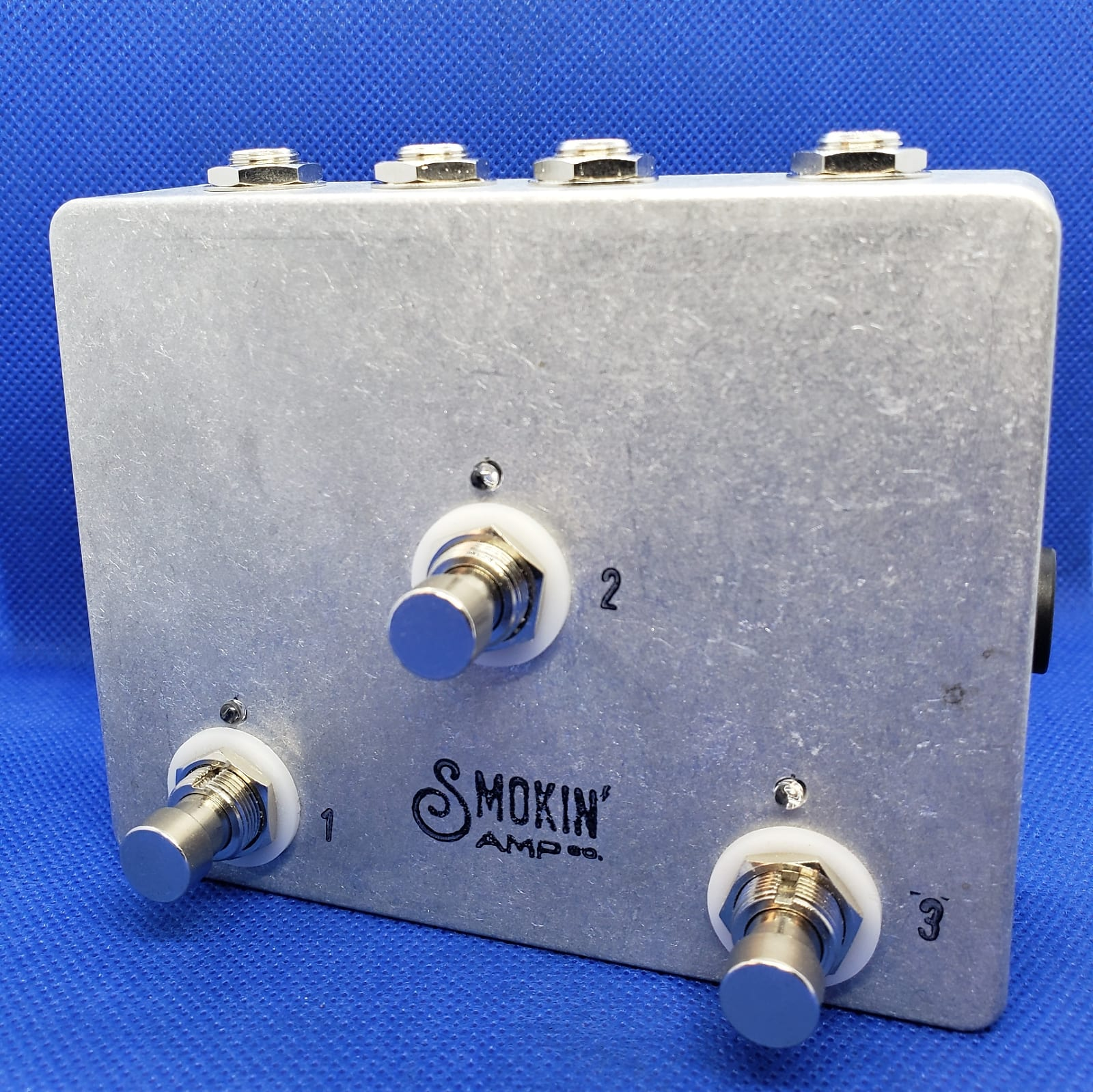 smokin 39 amp co 3 channel active splitter buffer pedal switch with mutes. Black Bedroom Furniture Sets. Home Design Ideas