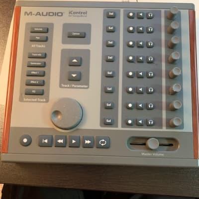 M-Audio iControl  Garage Band Interface