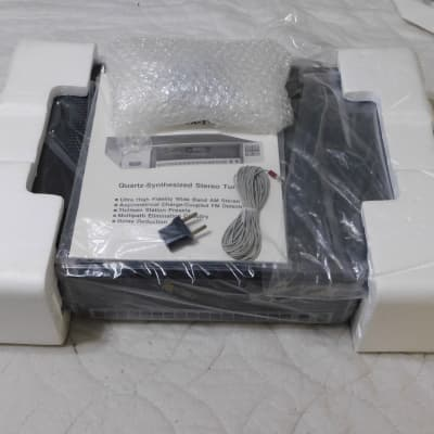 Carver TX-11a Quartz-Synthesized, Wide Band, AM/FM Stereo Tuner - Free Shipping to the Lower 48 Only