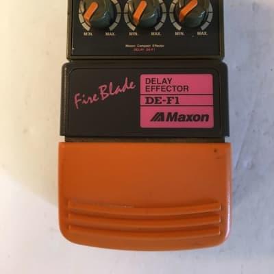 Maxon DE-F1 Fire Blade Digital Delay Rare Vintage Guitar Effect Pedal MIJ Japan