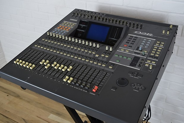 yamaha 02r digital mixing console excellent used audio mixer reverb. Black Bedroom Furniture Sets. Home Design Ideas
