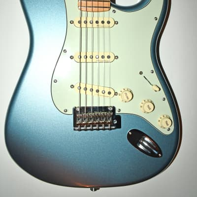 Fender Roadhouse Stratocaster 2019 Mystic Ice Blue with Tweed Case for sale