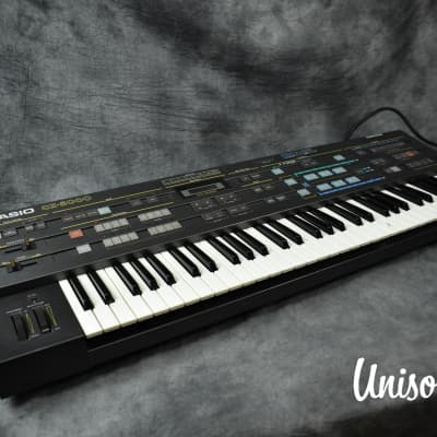 Casio CZ-5000 Phase Distortion Digital Synthesizer in Good Condition